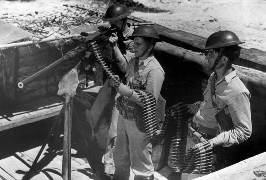 GB 50 Cal HB Early 850 - Des soldats avec une Browning M2, avant l'entrée en guerre des Etats-Unis