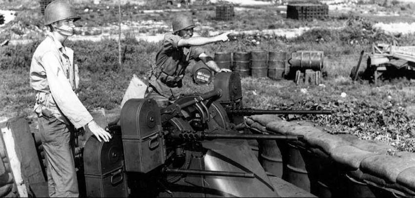 GB 50 Cal Multi 850 - Quatre Browning M2HB montées en position anti-aérienne