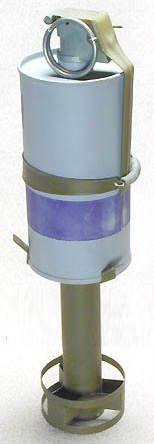 chemicallancheradaptateur - Adaptateur M2A1 avec grenade Smoke d'accrochée