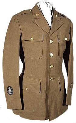 Servicedress2 - Veste de sortie appartenant à un soldat ayant fait 3 ans de service.