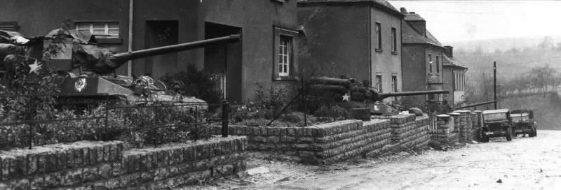 4110 - Des M18 en embuscade en Belgique, hiver 1945