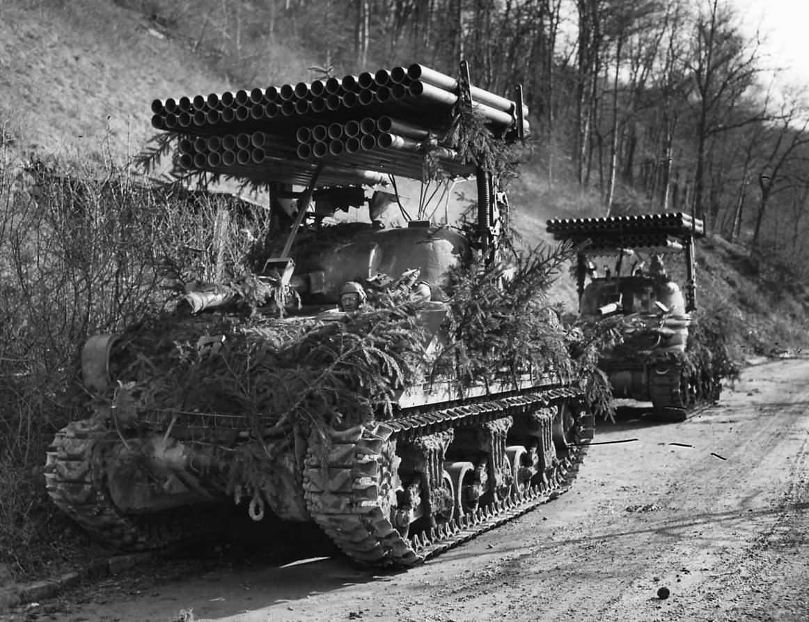 Rocket launcher T34 Calliope 80th Division - Deux Calliopes de la 80th Division