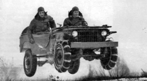 id ford gp 700 03 - Test de la Ford GP avec les chaînes à neige à Fort Riley