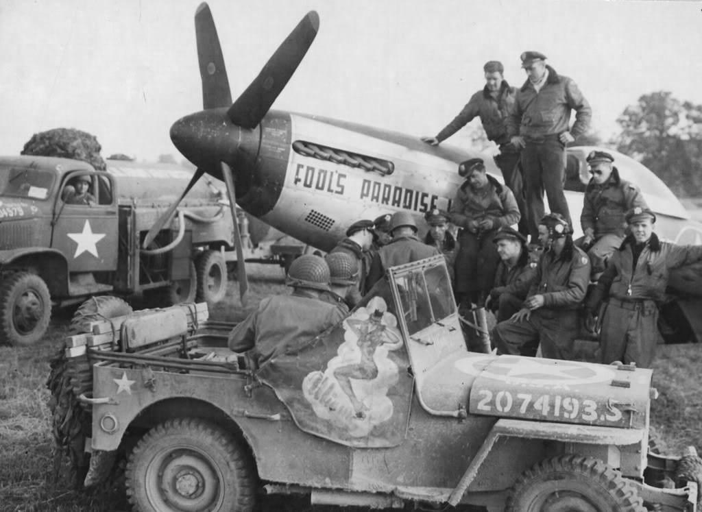 air mustang49 - Des Jeeps ramènent les blessés lors de la bataille de Saipan, en juin 1944.