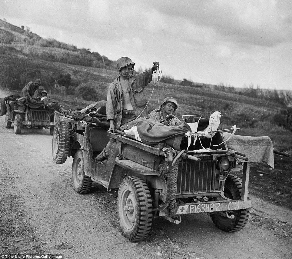 article 2087023 0F73693700000578 241 964x855 - Jeeps Willys ou Ford en Italie en 1944