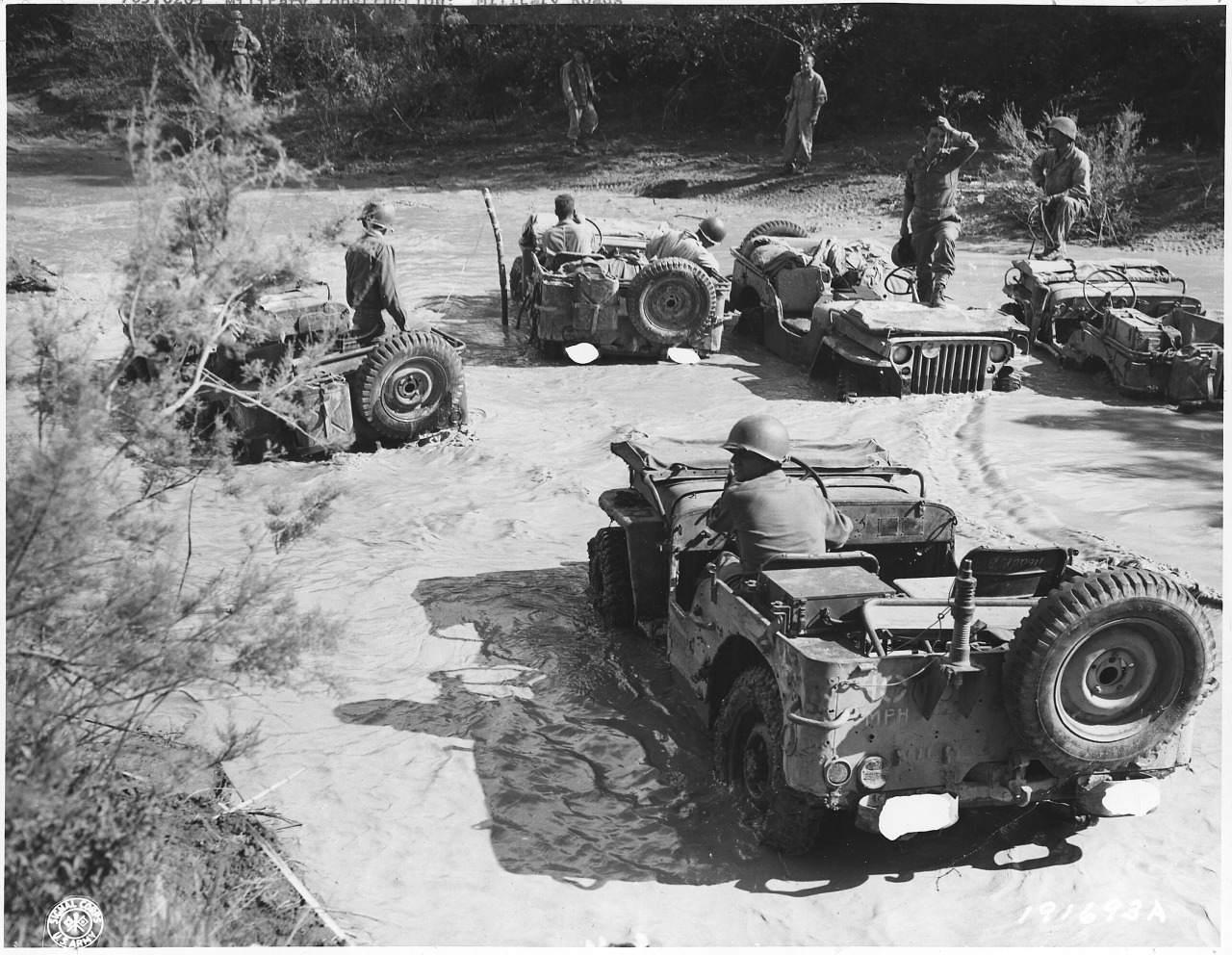 tumblr n8esshCszj1qhk04bo1 r1 1280 - Montée d'une côté à Fort Story, en 1942