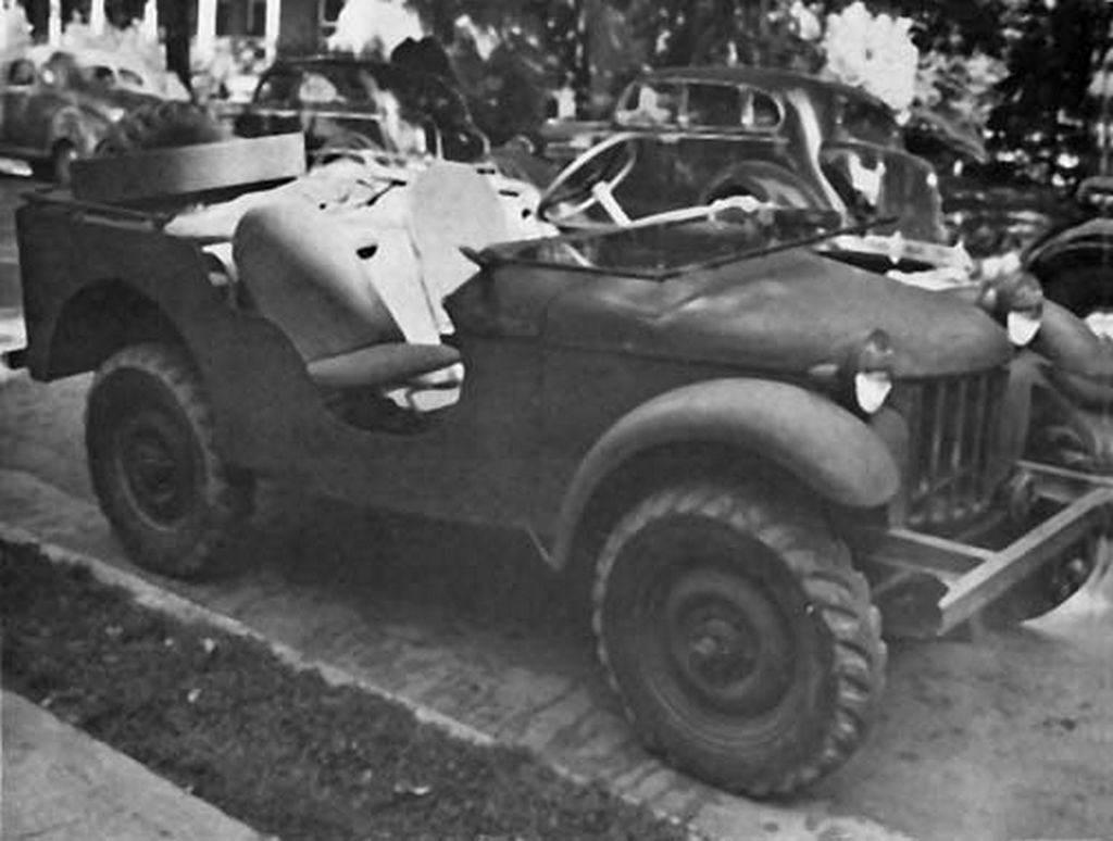 "Bantan 1 - La jeep Bantam ""Number One"" et BRC-60"