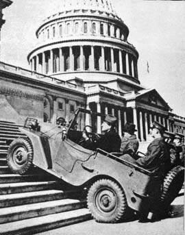 jeep quad capitolsteps 375 - La Jeep Willys-Overland Quad en test en février 1941, grimpant le US Capitol, Washington DC.