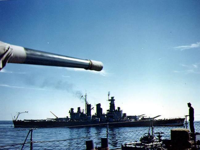 USS North Carolina in May 1941 - Le USS North Carolina en mai 1941