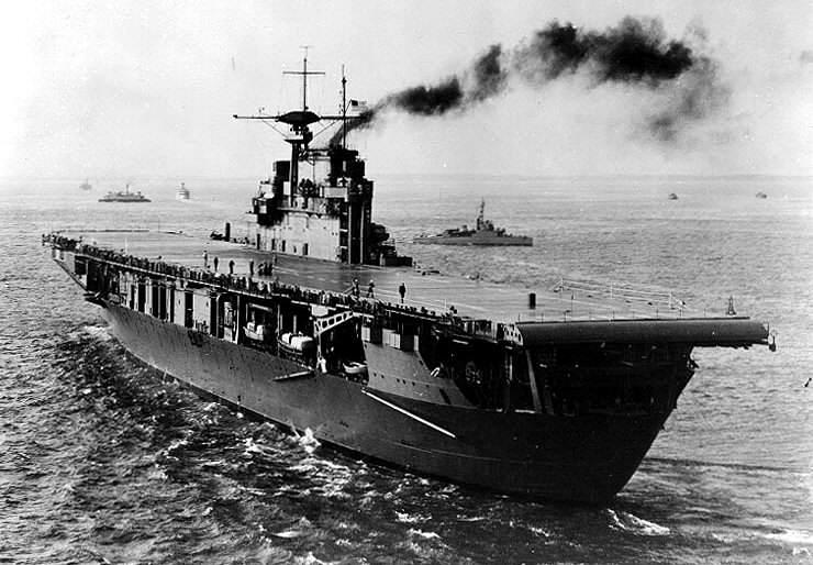 USS Hornet (CV 8) - Le USS Hornet juste après sa livraison, fin 1941