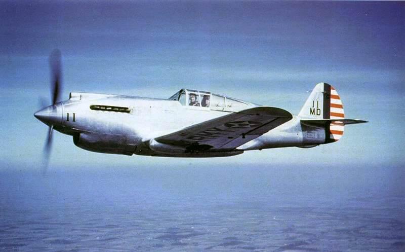 """Xp 40 - Le prototype Curtiss XP-40 """"11"""" utilisé lors des tests"""