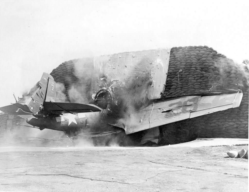 TBM 1CRASHTEST1946 - Crash Test du TBF-1 Avenger (date inconnue)