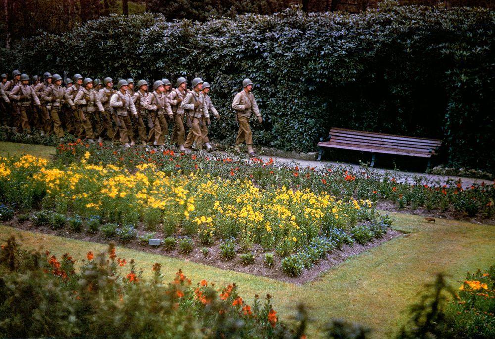 d day color 01 - Des troupes américains au Royaume-Uni peu avant le Dday en mai 1944