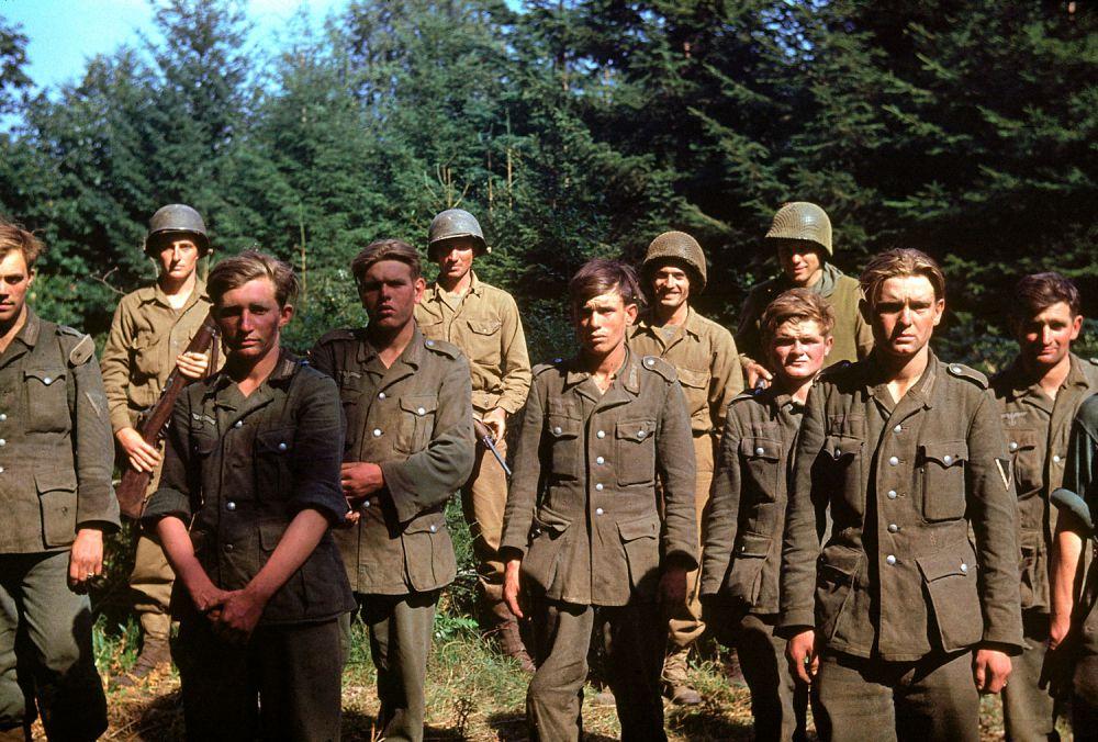 d day color 14 - Des soldats Allemands capturés en Normandie, juin 1944