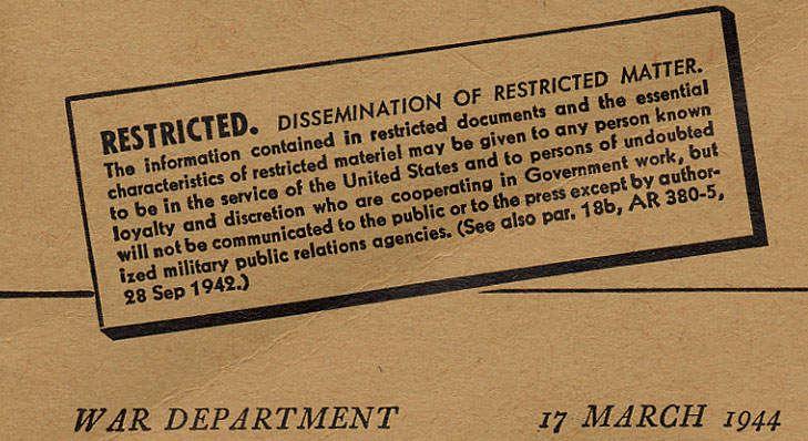 9 manuel restricted m209 - On remarque d'inscrit sur la couverture de ce manuel le caractère « top secret » de ce matériel.