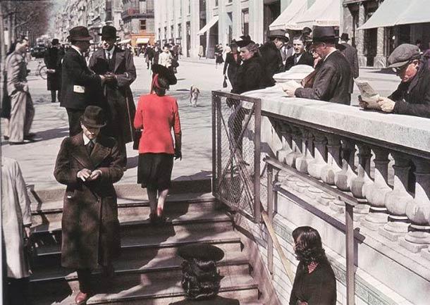 andre zucca Paris sous occupation 1940 1944 12 - La station de métro de Marboeuf-champs-Elysées en 1943 (Aujourd'hui station Franklin Roosevelt)