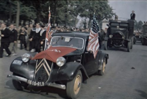 zuccaC - Les champs Elysées le 26 août 1944
