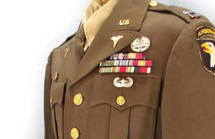 Une tenue de sortie d'un soldat de la 101è division aéroportée US