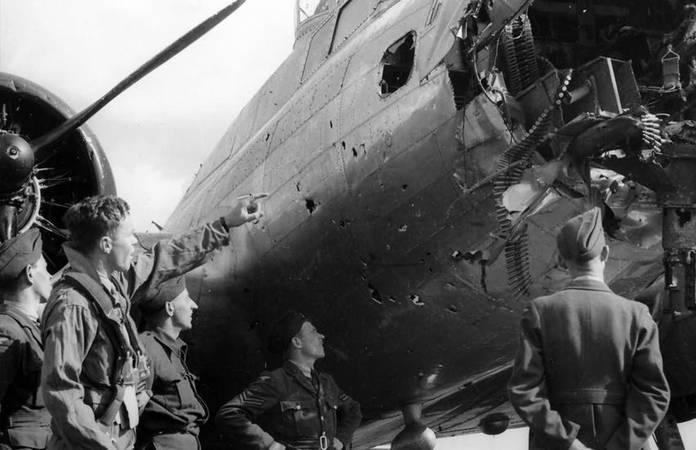 19 incroyables photos de B-17 endommagés mais qui ont réussi à se poser
