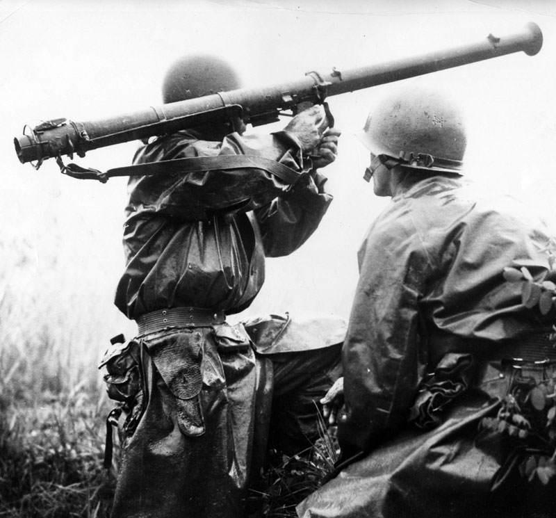 m1a1bazooka - Tir au bazooka M9 dans le pacifique en 1945