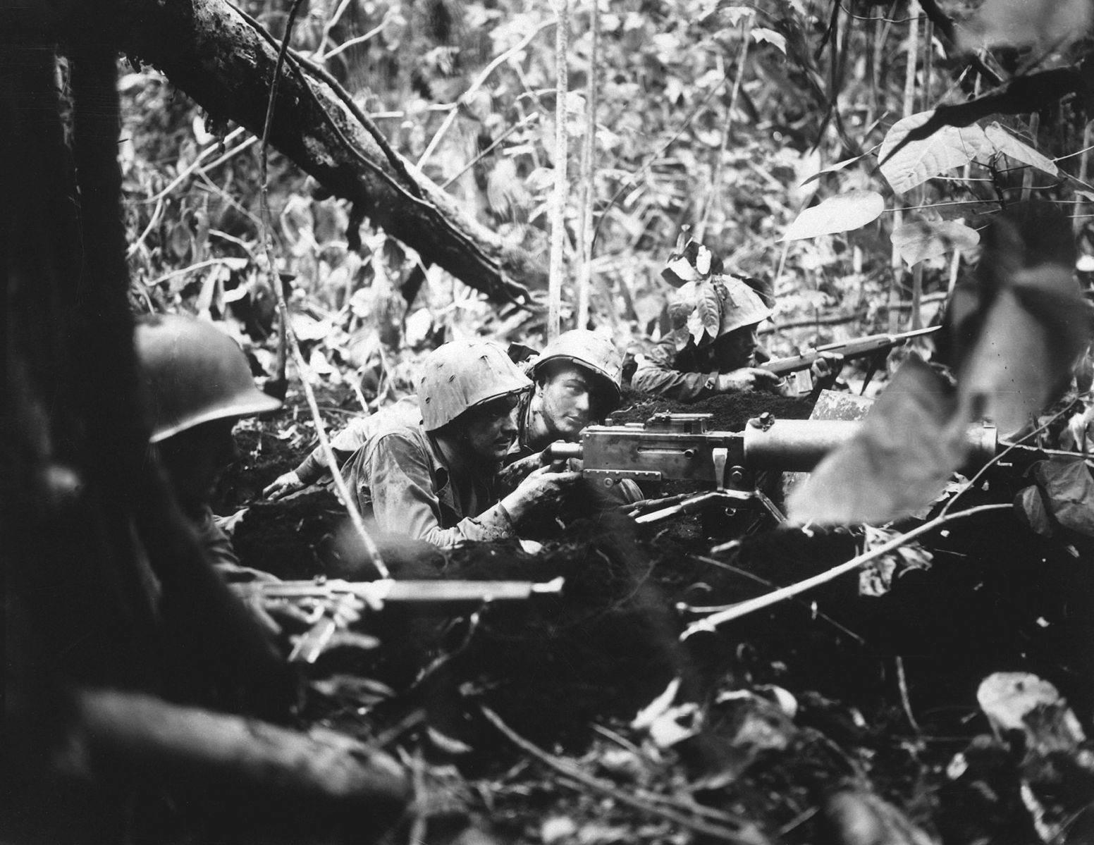 Marines Browning M1917 Cape Gloucester.JPEG - Ces soldats contrent une offensive Japonaise le 1er janvier 1944 pendant la bataille de Cape Gloucester