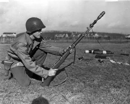 M1 Garand rifgren shooting line - Entraînement au tir de lance-grenades