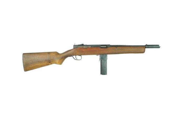 Le pistolet mitrailleur Reising M50