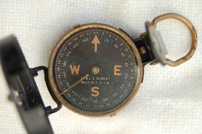 compass02 - Vue de dessus d'une boussole