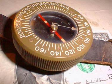 compasspara3 - Boussole de poignet