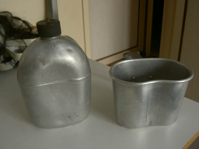 gourde quart m42 - Une gourde M-1910 en aluminium et son quart