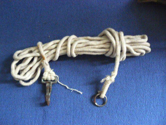 P1020822 - Corde de saut (collection personnelle)