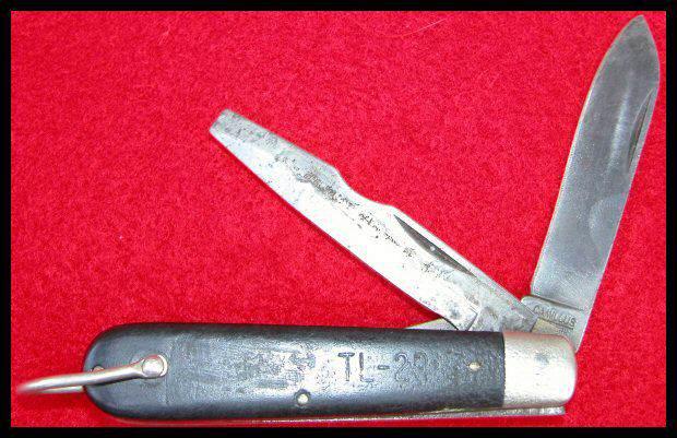 Knide pocket para01 - Le couteau TL-29 contenu dans le pack