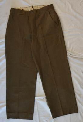 PANT - Le pantalon moutarde