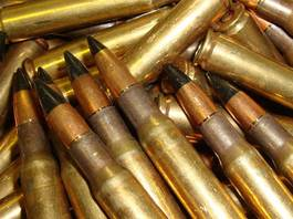 Des cartouches perforantes de calibre .30-06