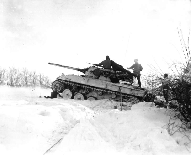 21278911 - Un M18 Hellcat dans la neige
