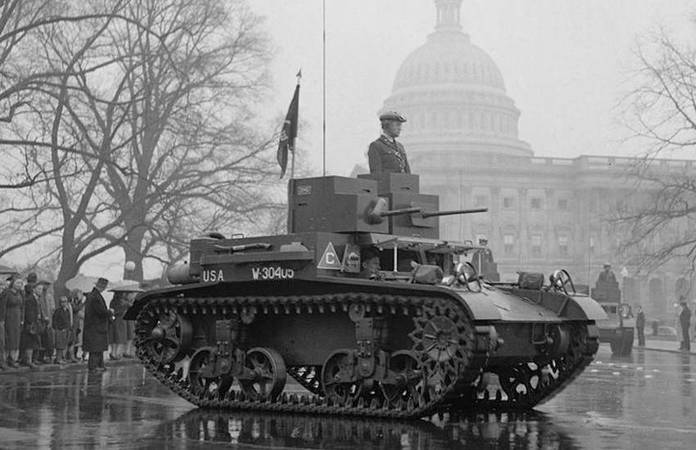 Un char M2A3 le 6 avril 1939 à Washington, lors de l'Annual Army Day Parade