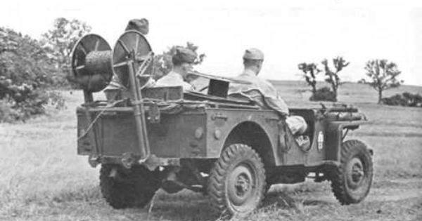 f1816668f4390644a6a9b35b5d05e7f3 - Vue arrière de la jeep Bantam BRC40