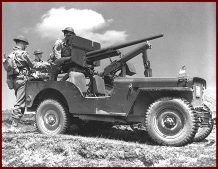 id mb 1942 newfoundland full 434x338 - Jeep de la 3rd infantry division à St Johns. Remarquez les anciens casques américains, la mitrailleuse Browning M1917A1 et canon de 37 mm (rare sur une jeep)