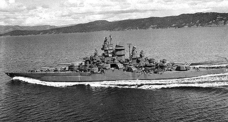 USS Tennessee (BB43) 1943 - Le BB43 Tennessee en 1943