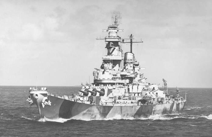 Le USS IOWA le 4 février 1944