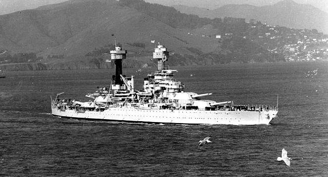 Uss west virginia bb - Le USS West Virginia dans la baie de San Francisco, vers 1934