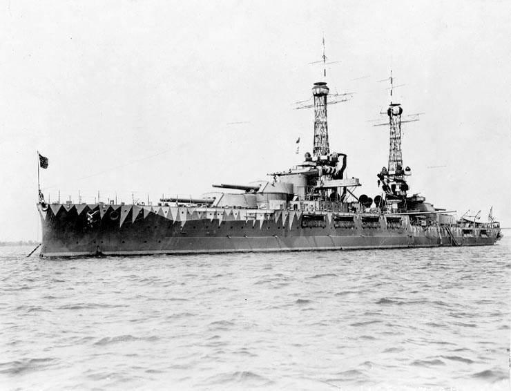 USS Oklahoma BB 37 - Le USS Oklahoma vers 1917, avec un camouflage expérimental