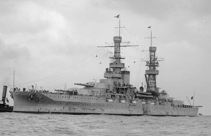 Le USS Pennsylvania, probablement lors de sa visite en Australie, en 1925