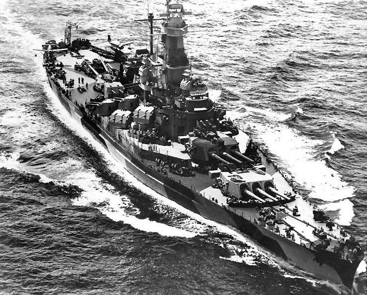 USS Indiana (BB 58) - L'USS Indiana en route pour l'invasion des îles Marshall, en Janvier 1944
