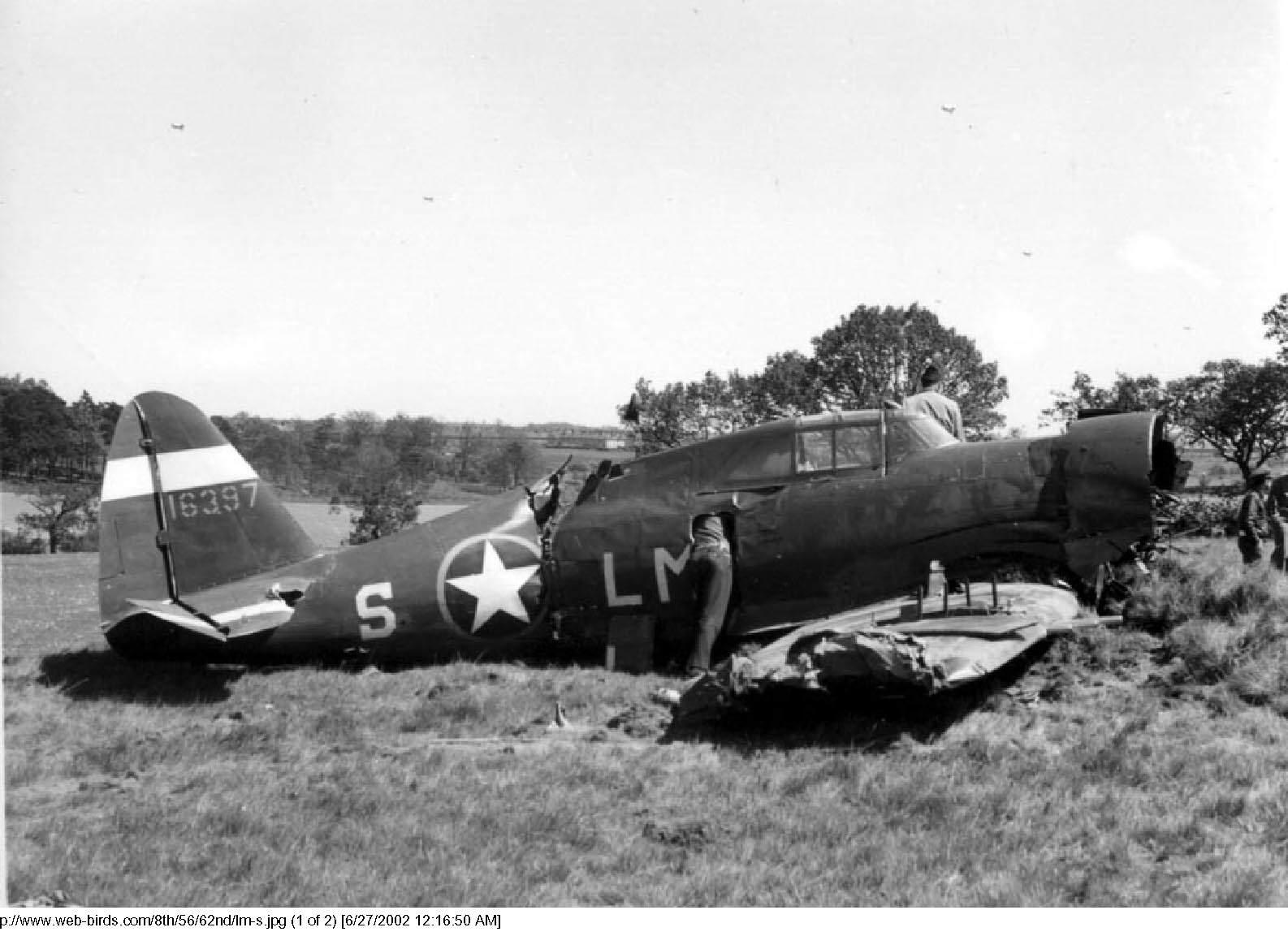 USAAF 41 6397 Republic P 47C Thunderbolt 8AF 56FG62FS LM S - Un appareil endommagé après un atterissage forcé