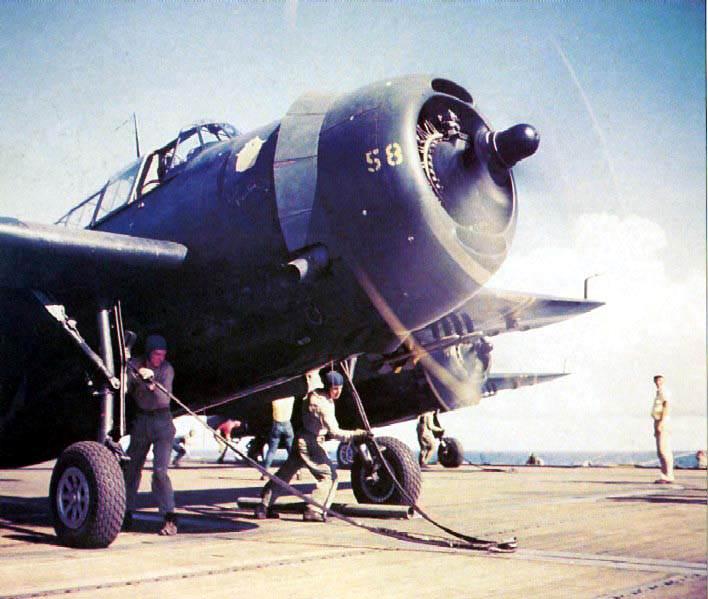 TBF launching - Un TBF Avenger prêt à être catapulté