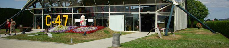 11 STE MERE - Visiter le musée des troupes aéroportées