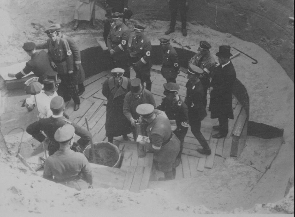 NaziTimeCapsule 2 - Dépôt de la capsule en 1934