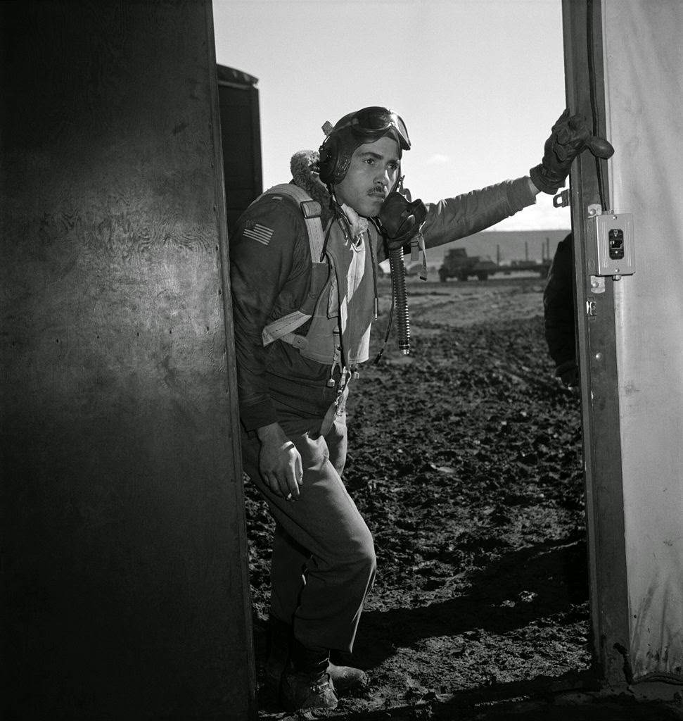 Tuskegee airman2 - Portrait de Edward M. Thomas pris en mars 1945