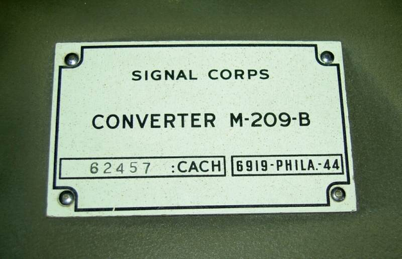 2 plaque fabricant converter m209 - La plaque de fabrication de Smith-Corona